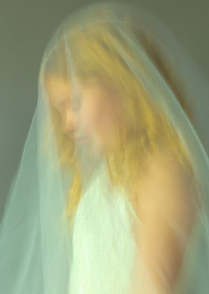portrait-isis-veiled